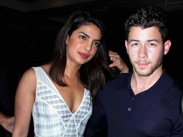 Priyanka Chopra (L) and Nick Jonas (R)