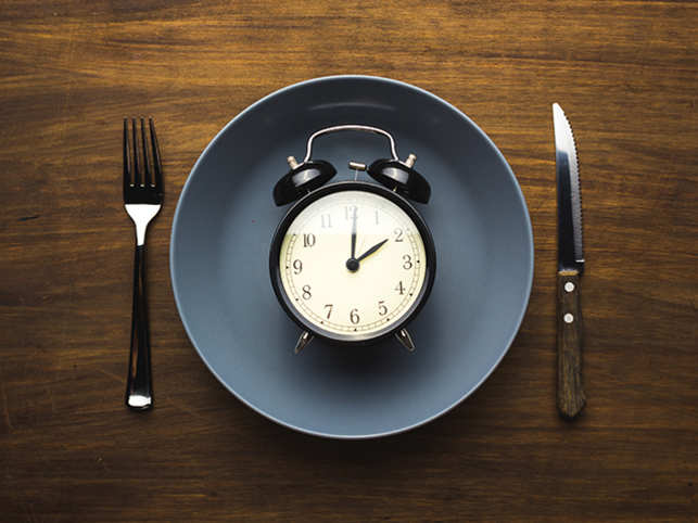 food-eat-time-clock-GettyImages-837549962