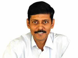 If rupee becomes stable, money will start flowing back again: Dhirendra Kumar, Value Research