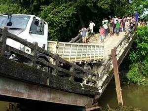 Watch: Another bridge collapses in West Bengal