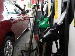 Fuel price hike: Petrol nears Rs 80 litre, diesel at Rs 72.07 in Delhi