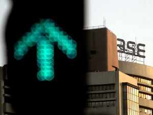 Sensex up 147 pts; Nifty50 ends at 11,589