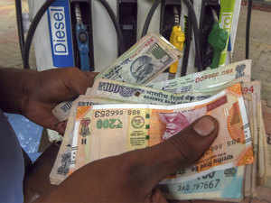 Fuel prices continue to rise, petrol hits Rs 80.73 in Delhi