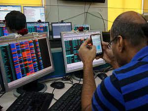 Sensex nosedives 468 pts on rupee woes, Nifty ends below 11,450