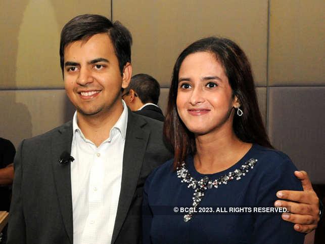 Bhavish Aggarwal (L) with wife Rajalakshmi Aggarwal (R)