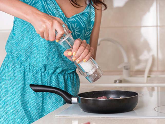 food-salt-cooking-GettyImages-506814856