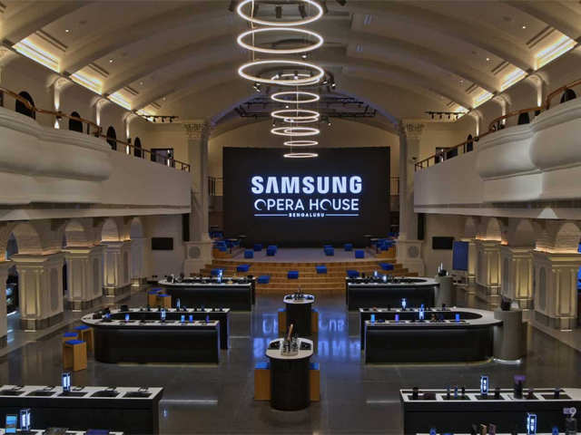 samsung opens world s biggest store in bengaluru samsung world s