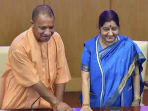Sushma-swaraj-yogi-pti