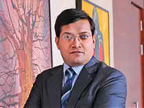 Rupee at 73 is a fair value: Motilal Oswal's Manish Sonthalia