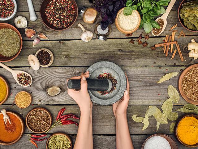 Earthen pots, 'handis', 'urlis': Traditional cooking equipment is making Bengaluru eateries smart