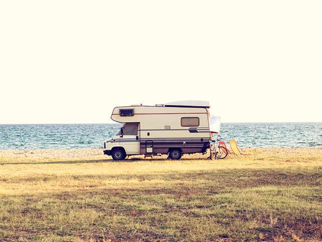 travel-caravan-GettyImages-485825534
