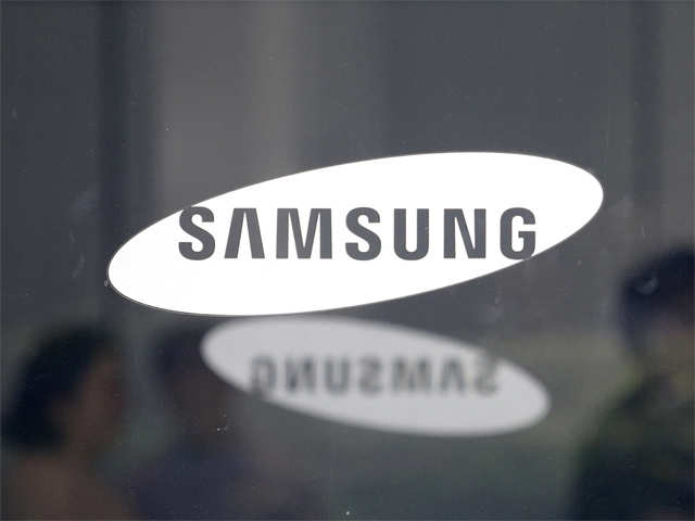 Samsung all set to unveil four rear-camera, premium device called A9 next month