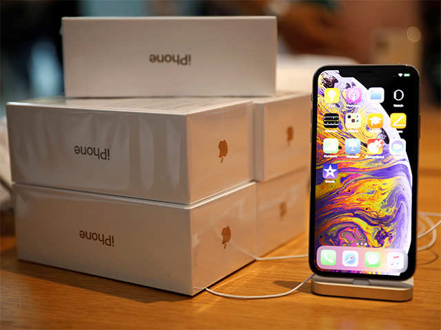 They're here! You can now pre-order iPhone XS, XS Max; deliveries begin next Friday
