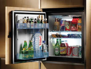 Wellness fever grips hotels' mini bars: Oatmeal cookies, zero-calorie sodas replace snacks, spirits