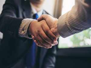GettyImages-handshake