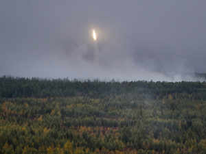 China tests three hypersonic missiles at one go