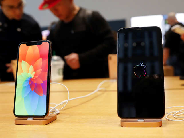 buy popular 2f0b9 6f020 Apple users report serious charging issue with new iPhone XS, XS Max ...