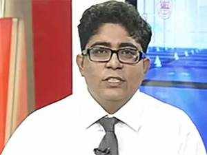 There will be a breakdown of correlation between the yields and FX markets: Vivek Rajpal, Nomura