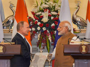 PM Modi invites Russia to set up defence industrial park in India