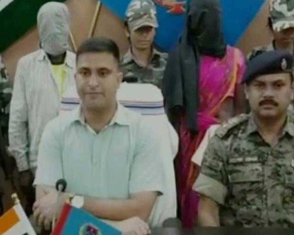 Watch: Jharkhand Police arrests two Naxals working in sleeper cells