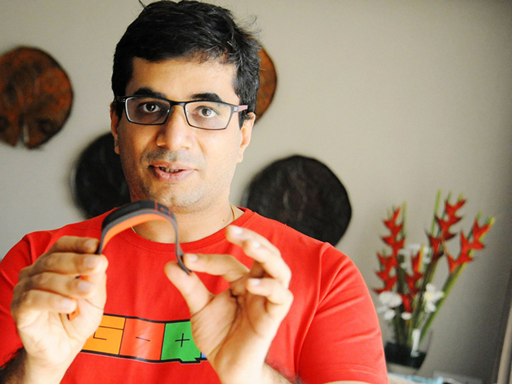Apple to the right, Fitbit to the left: Does Vishal Gondal's GOQii have enough Karma to make it?