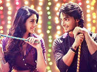 'LoveYatri' review: Will remind you of the classic '90s romance