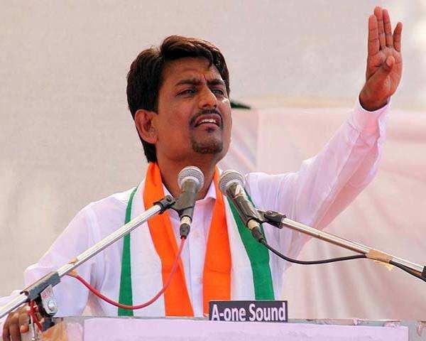 Alpesh Thakor plays down Gujarat migrant attacks