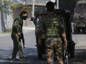 Three militants believed to be trapped in encounter in north Kashmir