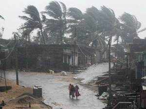 Andhra Pradesh: Cyclone 'Titli' leaves eight dead, causes widespread damage