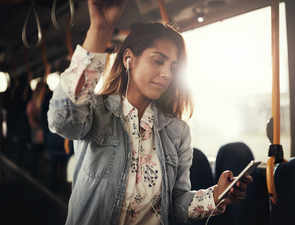 Smartphones yet to become smarter, can soon make commute less stressful