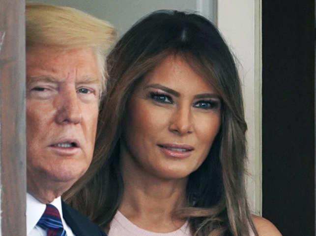 Donald Trump (L), Melania Trump