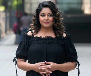 Tanushree Dutta demands narco, lie detector tests on Nana Patekar