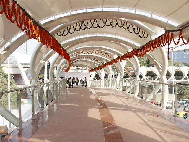 ito skywalk inaugurated sneak peek into one of delhi s busiest
