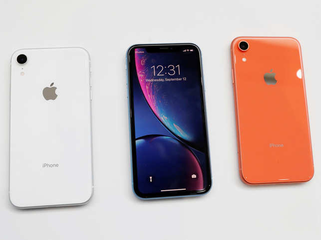 IPhone XR hands-on: Colorful phones make a great first impression