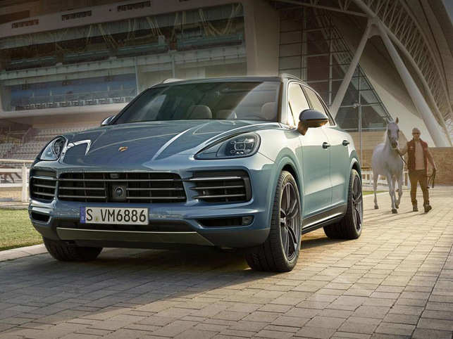 Porsche Unveils New Suv Models Of Cayenne Starting At Rs 1 19 Crore