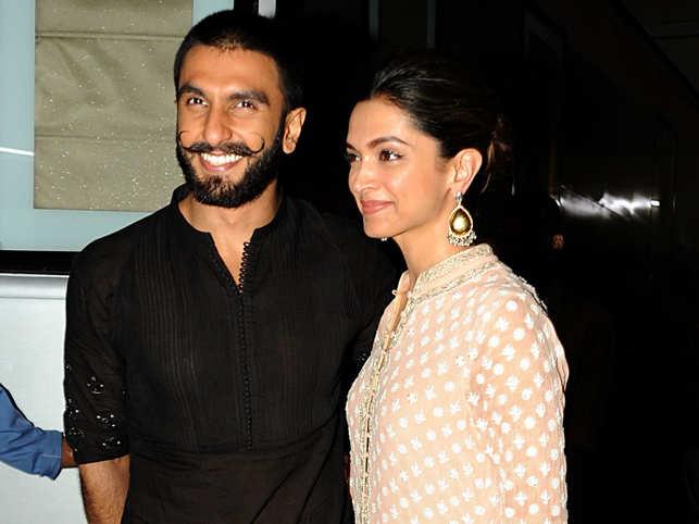 Ranveer Singh (L), Deepika Padukone