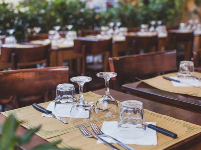 restaurant1_ThinkstockPhotos