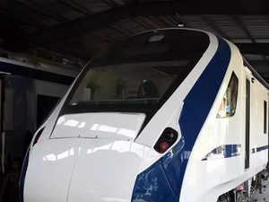 Engineless-train