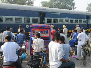 railway-crossing_AFP