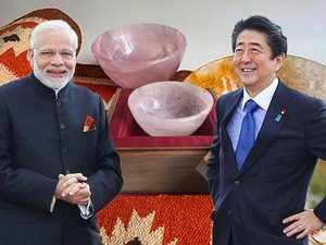 PM Modi meets Japan PM Shinzo Abe, gifts him handcrafted quartz bowls, 'dhurrie'