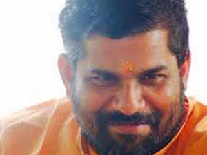 Sangh Parivar trying to make Sabarimala another Ram Mandir issue: Sandeepananda Giri