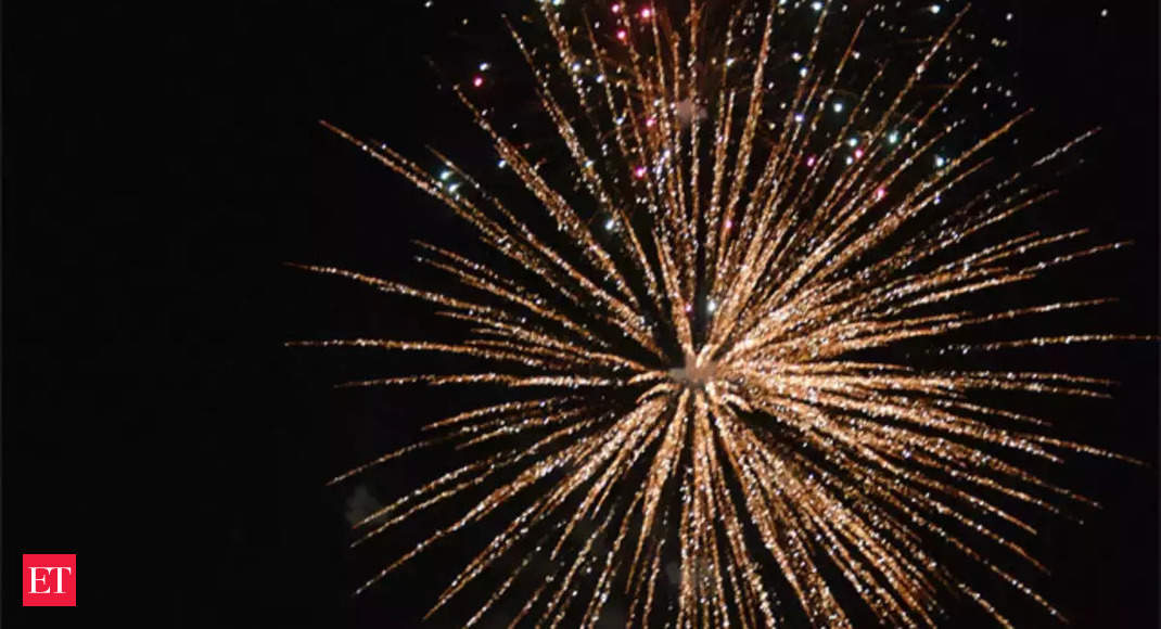 supreme court modifies timing for bursting firecrackers on diwali in