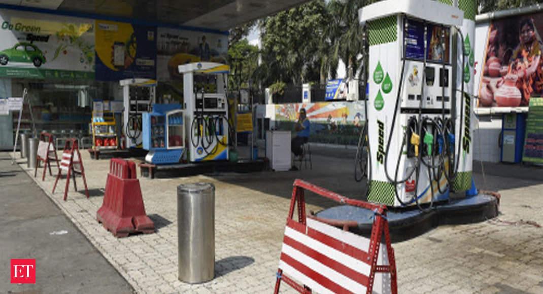 Petrol, diesel prices slump 15 paise each in Delhi thumbnail