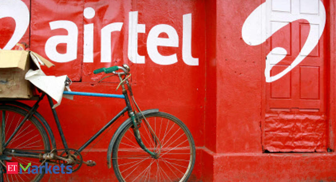 Bharti Airtel drops 5% after Moody's puts co on ratings downgrade watch thumbnail