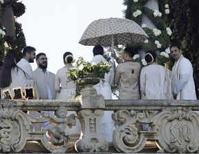 Deepika Padukone, Ranveer Singh take their vows in a traditional Konkani ceremony