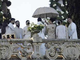 Deepika and Ranveer with guests at their wedding. (Image: AP)