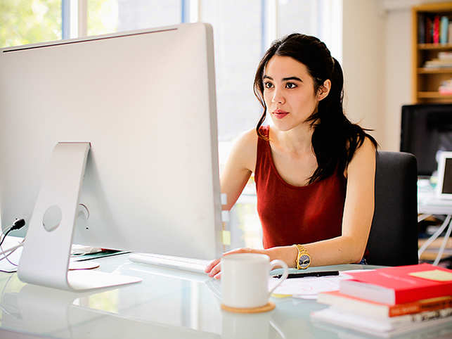 woman-using-comp_getty