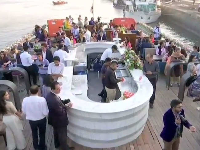 Now dine in floating restaurants in Mumbai