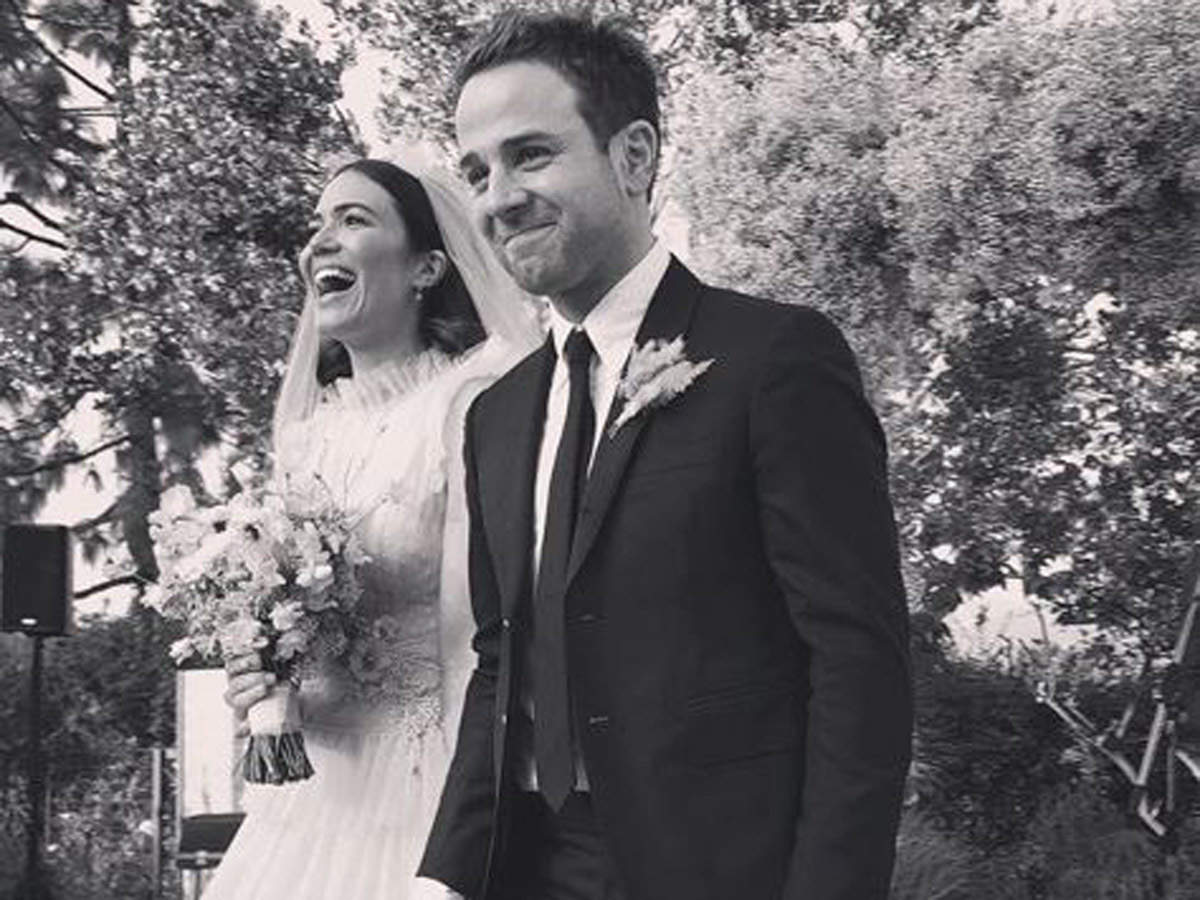 A Feathery Flowery Wedding For Mandy Moore And Taylor