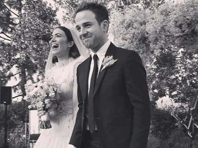 Mandy Moore Wedding.A Feathery Flowery Wedding For Mandy Moore And Taylor